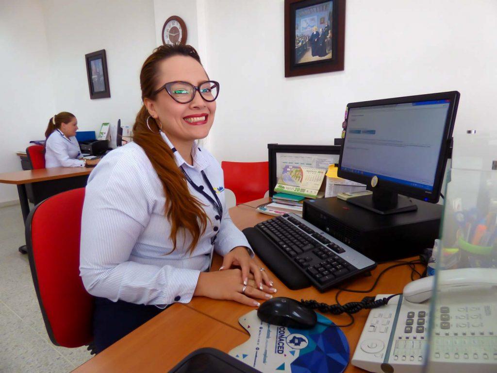 Paola Muñoz Secretaria Rectoría